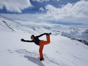 6 key yoga poses for skiing